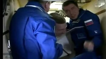 Video : Three astronauts delivered to space station