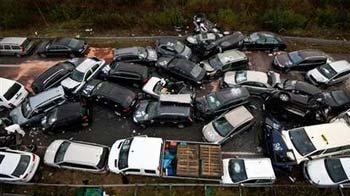 Video : 52-car pile-up on Autobahn kills 3 people