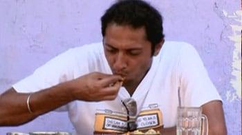 Video : Aditya enjoys the sun, sea and food in Goa