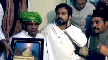 Video : Emraan Hashmi at Nizamuddin Dargah