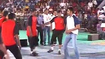 Video : When Bollywood stars played Kabaddi