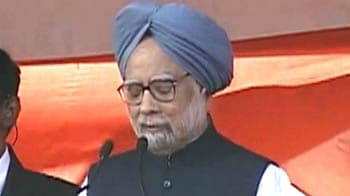 Video : PM defends FDI in retail, says rules will protect small farmers