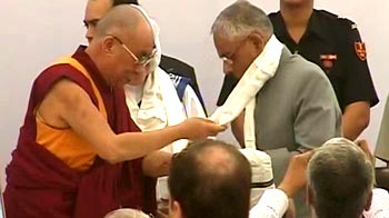 Video : Bengal Governor defies China note, attends Dalai Lama speech