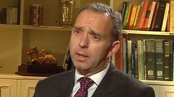 Video : UK Af-Pak envoy urges US, Pak to maintain calm