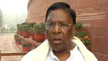 Video : Lokpal Bill: Govt says it may include junior babus, PM