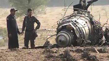 Video : Air Force plane crashes near Pune
