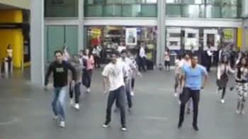 Video : Kolaveri flash mob in Auckland