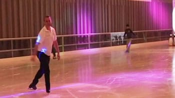 Video : Ice skating now in Gurgaon