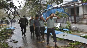 Video : Cyclone Thane leaves at least 33 dead in Puducherry, Tamil Nadu