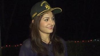 Videos : 'जय जवान' अनुष्का शर्मा के साथ