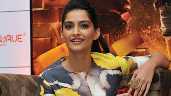 Video : Sonam is the 'Most Influential Indian' on Twitter