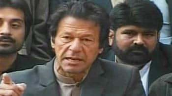 Video : Zardari must resign, won't back military takeover: Imran Khan