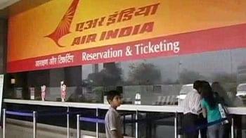 Video : 40 AI pilots call in sick, Delhi, Mumbai flights hit, govt says no strike notice