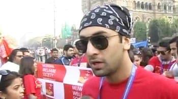 Video : Bollywood stars at Mumbai Marathon 2012