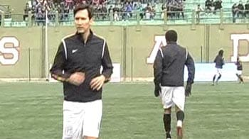 Video : Ruud Gullit visits India for charity game