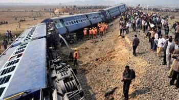 Video : Guwahati-bound passenger train derails in Assam