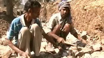 Video : Activists write to Jairam, demand hike in NREGA wages