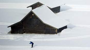 Video : Heaviest snowfall in Europe in decades, many trapped