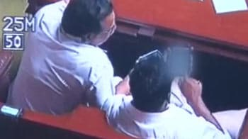 Video : After porn scandal, crackdown on cameras in Karnataka Assembly
