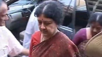Video : Jayalalithaa's estranged friend Sasikala breaks down in court