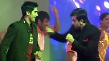 Video : Vijender, Pankaj Advani pay tribute to Ranbir