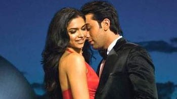 Video : Are Ranbir, Deepika back together?