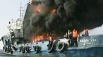 Video : Ship catches fire in Persian Gulf