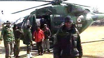 Video : Kashmir avalanches: 9 civilians rescued