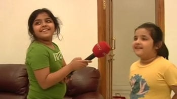 Video : Akhilesh's daughters say 'daadu' for Chief Minister