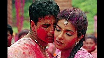 Video : The changing hues of Holi in Bollywood