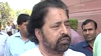 Video : Railway Minister's own party Trinamool Congress opposes fare hike
