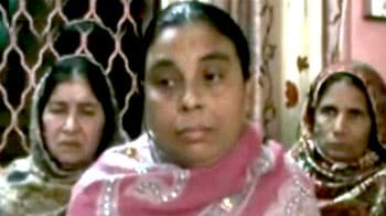 Videos : मां-बेटी की बहादुरी के आगे पस्त हुए लुटेरे