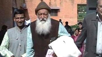 Video : On 'Save Ganga' mission, former IIT professor battles for life