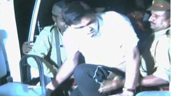 Video : Lucknow: Whistleblower picked up from protest site, taken to psychiatric ward