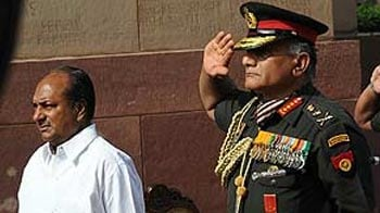 Video : 14-crore bribe: Antony blames Army Chief for inaction