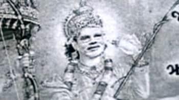 Video : गुजरात : भाजपा ने मोदी को बनाया 'श्रीकृष्ण'