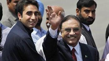 Video : Pakistan President Asif Ali Zardari arrives in India