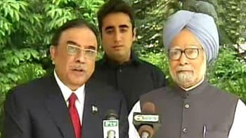 Video : PM meets Zardari, says will visit Pak at 'convenient time'