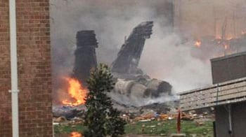 Video : 911 calls after jet hit apartment complex in US