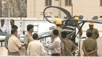Video : Chopper makes emergency landing on top of apartment in Bangalore
