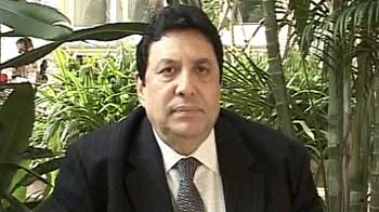 Video : HDFC's Keki Mistry expects repo rate cut; CRR cut unlikely