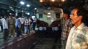 Video : Fire disrupts Mumbai local train services; delays likely to continue