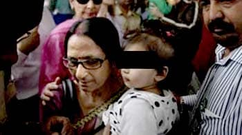 Videos : नॉर्वे में चाचा को सौंपे गए दोनों बच्चे भारत लौटे