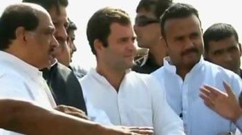 Video : Rahul Gandhi visits drought-hit Maharashtra district