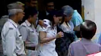 Video : Aarushi murder case: Nupur Talwar appears in court
