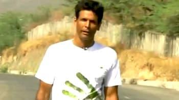 Videos : ग्रीन रन में मिलिंद ने 885 किमी की दूरी तय की