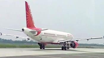 Videos : सीनियर पायलटों ने लगाई पीएम से गुहार