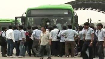 Videos : एक हजार डीटीसी बस ड्राइवर हड़ताल पर