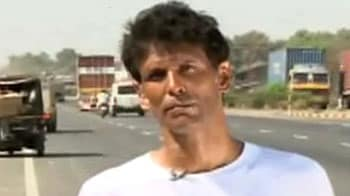 Video : Milind spreads the green message