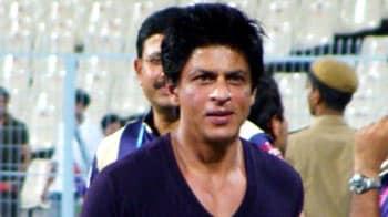 Videos : वानखेड़े स्टेडियम में नहीं घुस पाएंगे शाहरुख